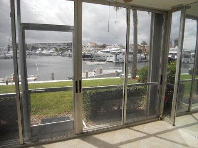 North Palm Beach Condo For Sale: 21 Yacht Club Drive #106