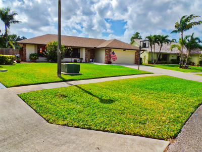 Wellington Single Family Home For Sale: 13520 Columbine Avenue