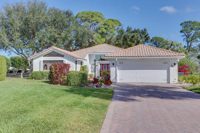 Boynton Beach Single Family Home For Sale: 56 Woods Lane #0560