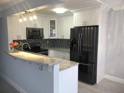 Delray Beach Condo For Sale: 579 Burgundy M