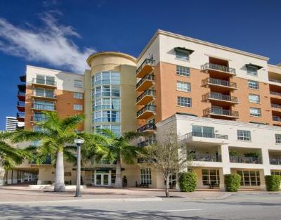 West Palm Beach Condo For Sale: 600 S Dixie Highway #822