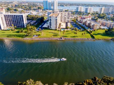 North Palm Beach Condo For Sale: 336 Golfview Road #Ph12