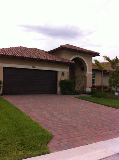 Lake Worth Single Family Home For Sale: 7197 Damita Drive