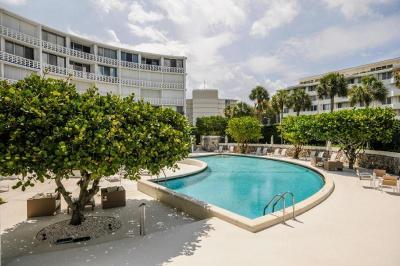 Palm Beach Condo Sold: 2760 S Ocean Boulevard #206