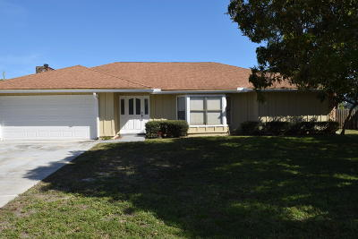 Jupiter Single Family Home For Sale: 701 S Loxahatchee Drive