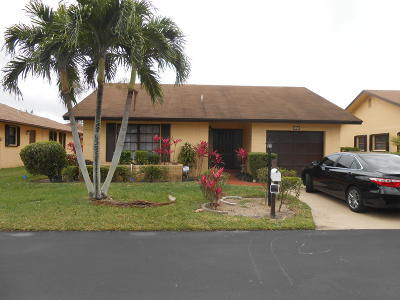 Lake Worth Single Family Home For Sale: 6050 Olivewood Circle