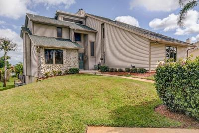 Port Saint Lucie  Single Family Home For Sale: 2941 SE South Lookout Boulevard