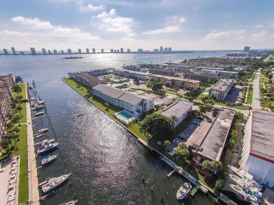 North Palm Beach Condo For Sale: 108 Paradise Harbour Boulevard #302