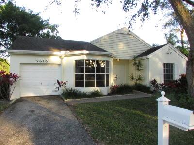Boynton Beach Single Family Home For Sale: 7616 Forest Green Lane