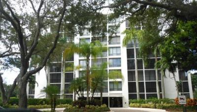 Boca Raton Condo For Sale: 7835 Lakeside Boulevard #986