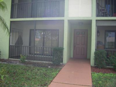 Boynton Beach FL Condo For Sale: $110,000
