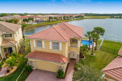 Port Saint Lucie Single Family Home For Sale: 2320 NW Del Corso Court