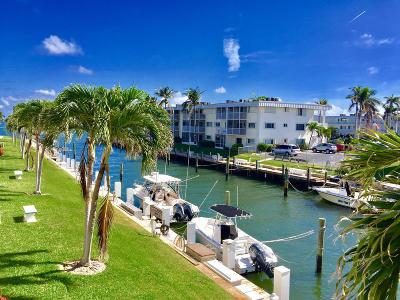 North Palm Beach Condo For Sale: 110 Shore Court #213-B