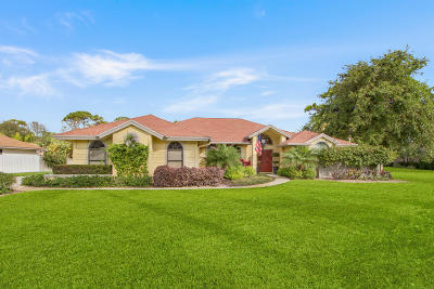 Jupiter Single Family Home For Sale: 6147 Wood Creek Court