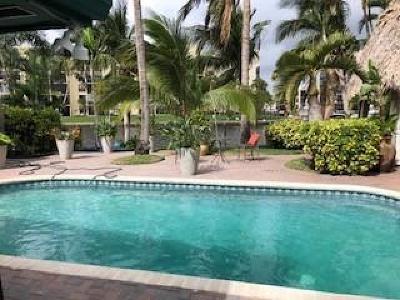 Deerfield Beach Single Family Home For Sale: 549 NE 8th Avenue