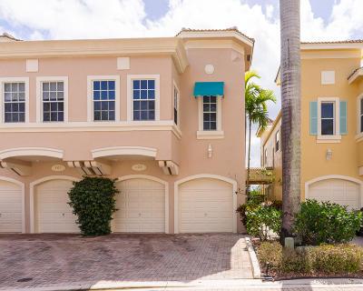 Palm Beach Gardens Townhouse Contingent: 402 Resort Lane