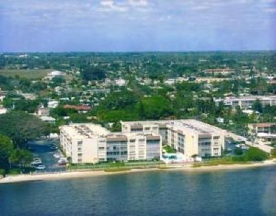 Lake Worth Condo For Sale: 1502 S Lakeside Drive #205