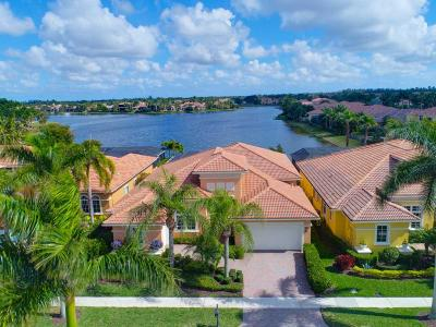 West Palm Beach Single Family Home For Sale: 7018 Isla Vista Drive