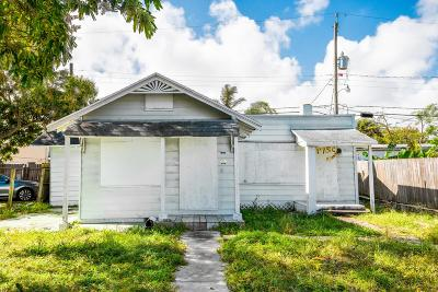 Lake Worth Single Family Home For Sale: 517 S C Street