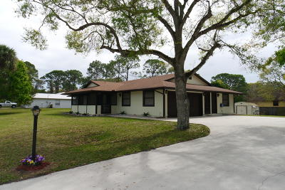 Fort Pierce Single Family Home For Sale: 8801 Belleair Avenue