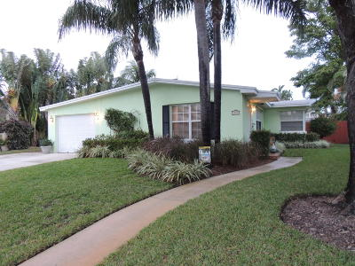 West Palm Beach Single Family Home For Sale: 351 Colonial Road