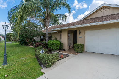 Lake Worth Single Family Home For Sale: 5230 Whitewood Cove S