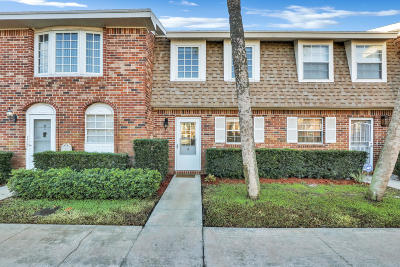 Tequesta Townhouse For Sale: 413 Cypress Drive #3