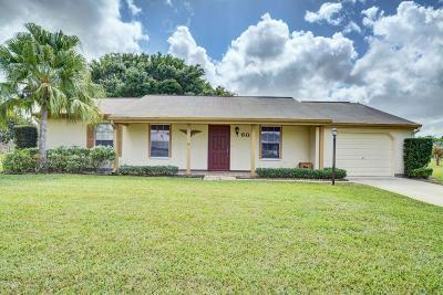 Port Saint Lucie Single Family Home For Sale: 608 SW Everett Court