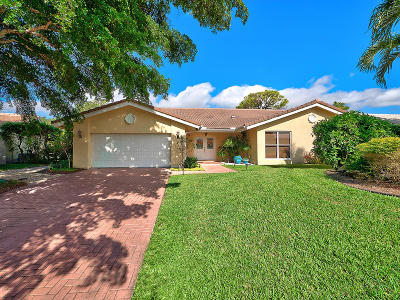 Delray Beach Single Family Home For Sale: 4911 Pineview Circle