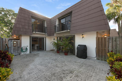 Palm Beach Gardens Townhouse For Sale: 614 6th Court