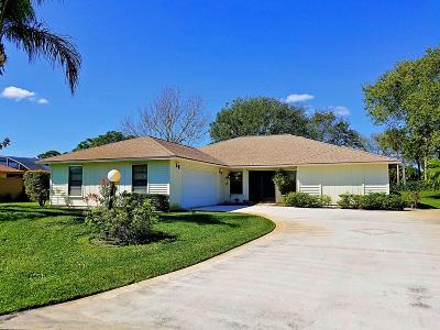 Hobe Sound Single Family Home For Sale: 6581 SE Nantucket Court