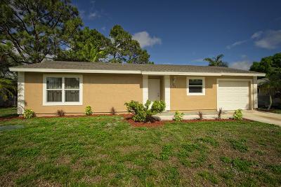 Port Saint Lucie Single Family Home For Sale: 541 SE Evergreen Terrace