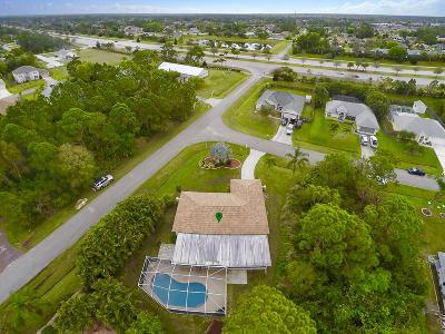 Port Saint Lucie Single Family Home For Sale: 501 SW Grove Avenue