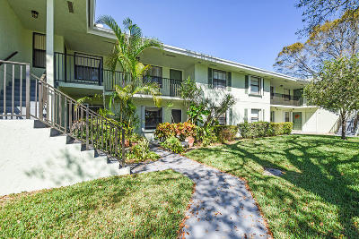 Palm Beach Gardens Condo For Sale: 1201 Sabal Ridge Circle #B