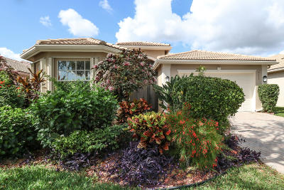 Delray Beach Single Family Home For Sale: 7035 Prado Lake Drive