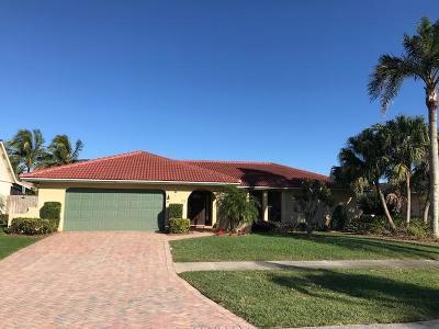 Tequesta Single Family Home For Sale: 40 Pinehill Trail E