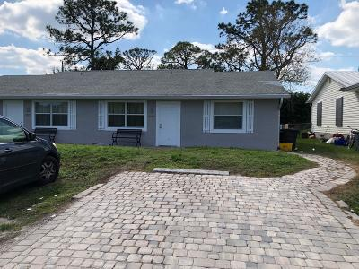 Stuart Multi Family Home Contingent: 3062 SE Durant Avenue