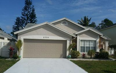 West Palm Beach Single Family Home For Sale: 2770 E Foxhall Drive E
