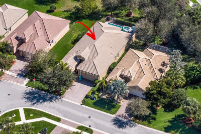 Boynton Beach Single Family Home For Sale: 6850 Watertown Drive