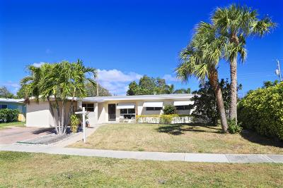 North Palm Beach Single Family Home Contingent: 751 Flamingo Way