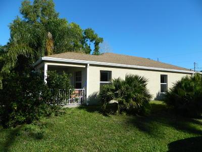 Stuart FL Single Family Home For Sale: $205,000