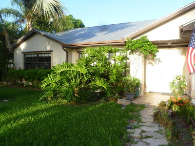 Fort Pierce Single Family Home For Sale: 4477 S Indian River Drive