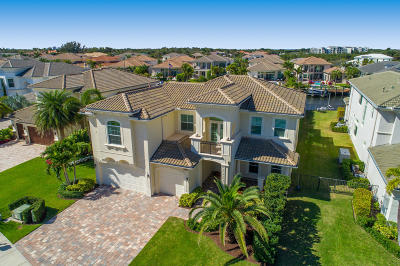Martin County, Palm Beach County Single Family Home For Sale: 13949 Willow Cay Drive