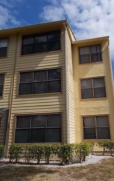 Boynton Beach Condo For Sale: 2303 Congress Avenue #32
