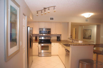 West Palm Beach Condo For Sale: 1801 Flagler Drive #217