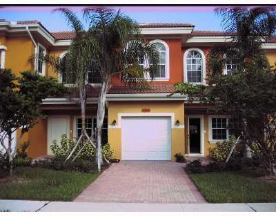 Greenacres Townhouse For Sale: 5802 Erik Way