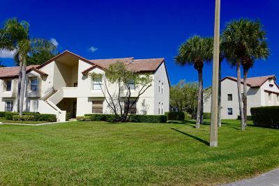 Boynton Beach Condo For Sale: 5913 Parkwalk Drive #716