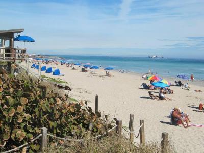 Ocean Ridge Rental For Rent: 6520 Ocean Boulevard #4