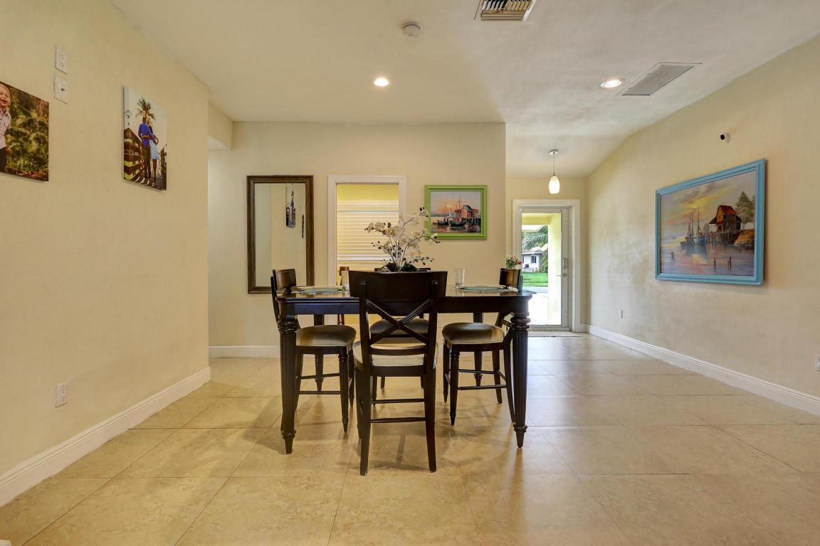 240 SE 3rd Avenue Pompano Beach, FL. | MLS# RX-10407786 | YOUR CITY ...