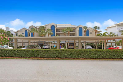 Juno Beach Condo For Sale: 243 Bay Colony Drive